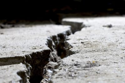 How to prevent random cracks in concrete - Early entry concrete cutting is a good methodmin